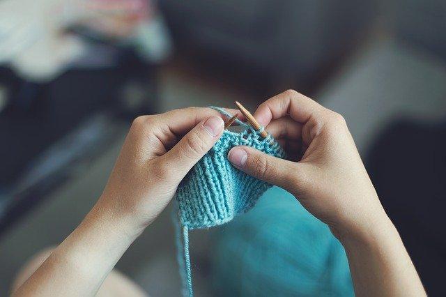 Lavorare a maglia: il punto grana di riso