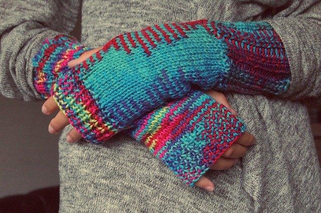 Lezioni di maglia: le tecniche di lavorazione a più colori