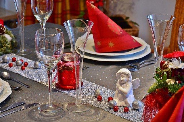 Come decorare la tavola per Natale