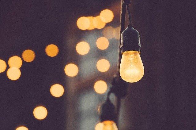 Arredare il giardino con le luci: consigli e suggerimenti